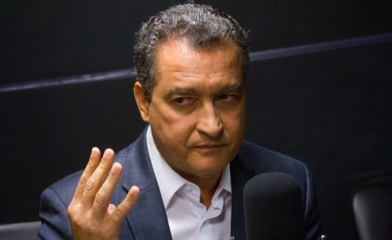 Tem gente que faz política na Bahia com a cabeça no século passado, diz Rui