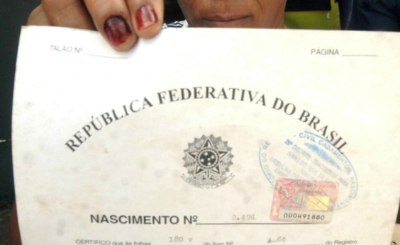 Certidão de nascimento vai permitir inclusão de nome de padrasto ou madrasta