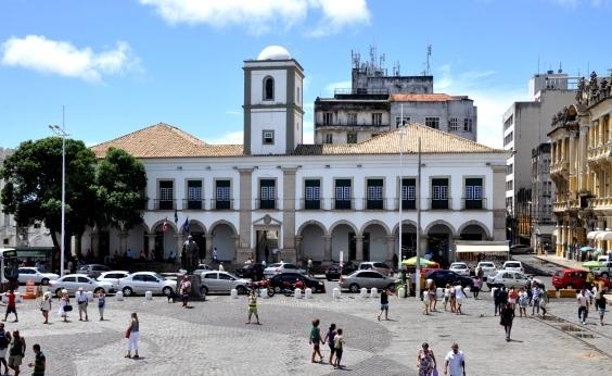 Após normatização do TCM, vereadores de Salvador vão receber13º salário