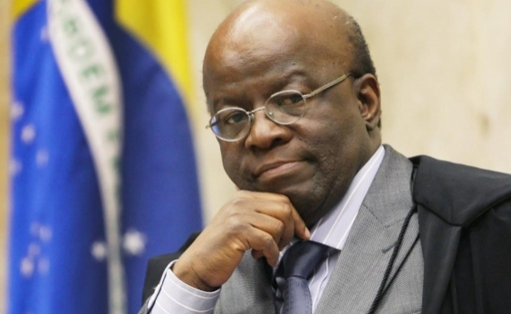 ʹNão sei como têm coragem de lançar candidatosʹ, diz Barbosa sobre PMDB, PSDB e PT