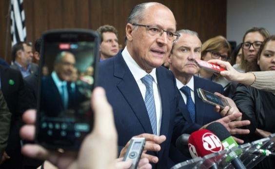 Eleição de 2018 será diferente por não ter ʹfator reeleiçãoʹ, afirma Alckmin