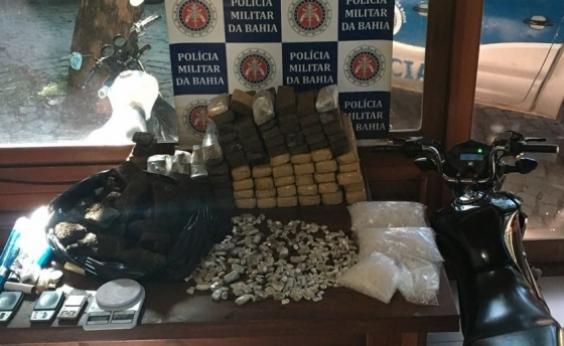 PM apreende 85 kg de drogas em Arraial DʹAjuda