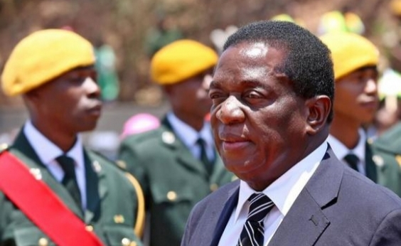 Zimbábue: Mnangagwa é escolhido presidente provisório