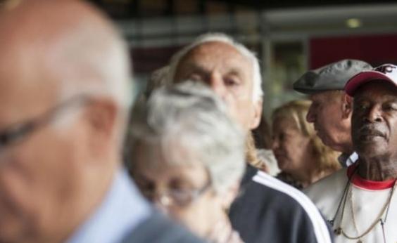 Mais de dois milhões de aposentados baianos vão receber a segunda parcela do 13º a partir de sexta