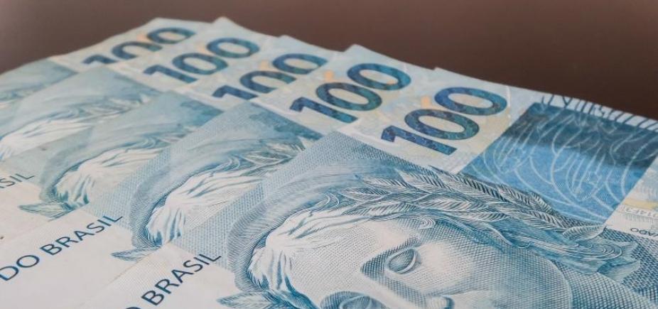 [Receita Federal arrecadou mais de R$ 121 bilhões em impostos em outubro]