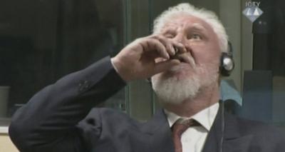 Homem condenado por crimes de guerra bebe veneno no Tribunal de Haia e morre; veja vídeo