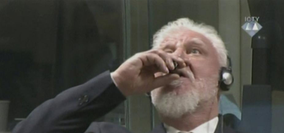 [Homem condenado por crimes de guerra bebe veneno no Tribunal de Haia e morre; veja vídeo]