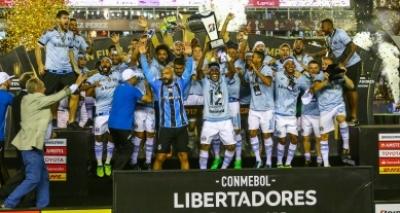Olha o tri! Grêmio derruba Lanús na Argentina e vence a Libertadores