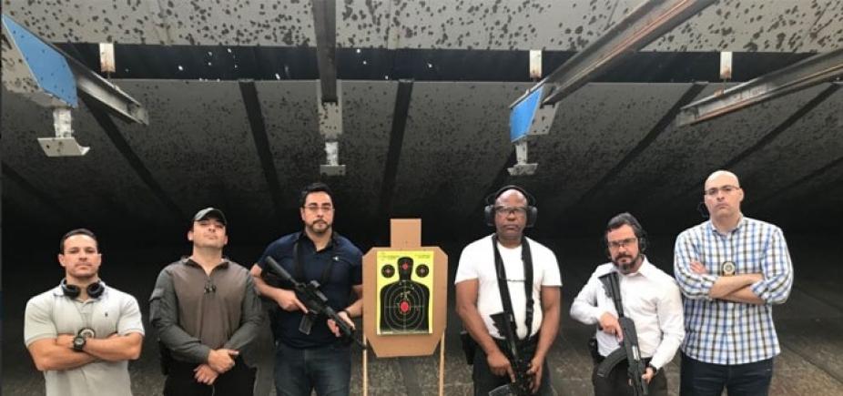 [Juiz da Lava Jato posa com fuzil e agradece a policiais por treinamento: \