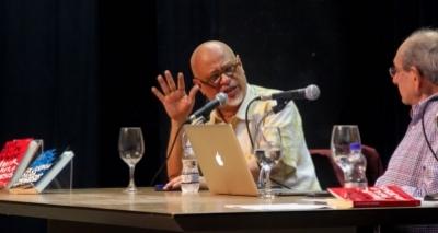 ʹRotinas ruins matam o amorʹ, diz Luiz Felipe Pondé
