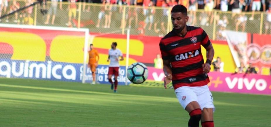 [Após volante do Bahia, Corinthians mira atacante do Vitória]