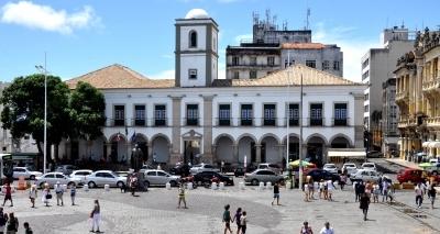 Prates cogita vender prédio de 1549 e mudar Câmara para antigo Cine Excelsior