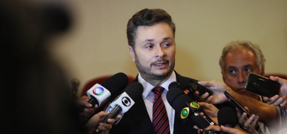 [Empréstimo: secretário critica 'fórmula mágica' do Tesouro e reforça tese de boicote]