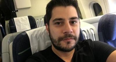 Evaristo Costa faz piada e diz que namorado de Fátima Bernardes é igual cantor; veja
