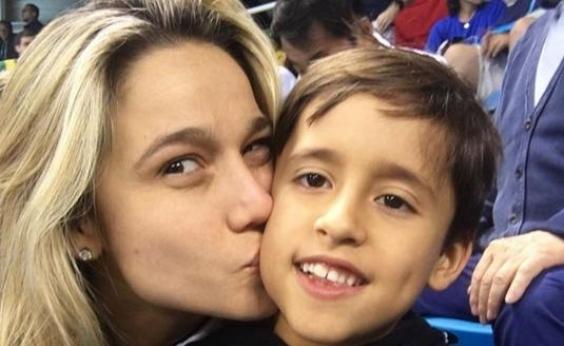 Fernanda Gentil revela reação do filho ao saber de seu namoro: ʹÉ só isso?ʹ