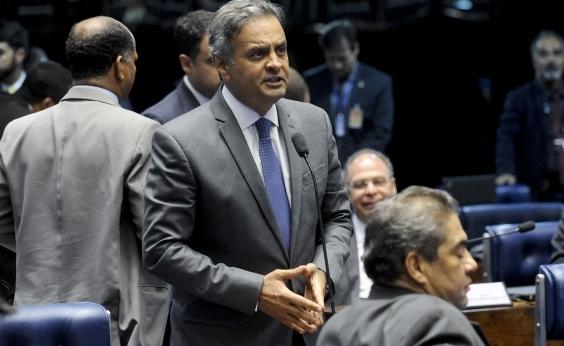 Além de confusão, convenção do PSDB é marcada por vaias à Aécio