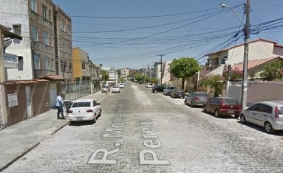 Recém-nascida é resgatada após ser abandonada sobre telhado na Cidade Baixa