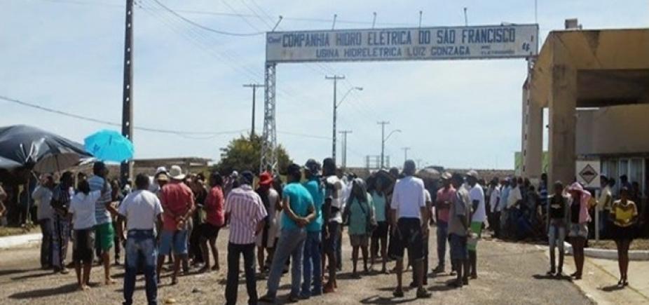 [Manifestantes fazem protesto contra privatização da Chesf em Paulo Afonso]