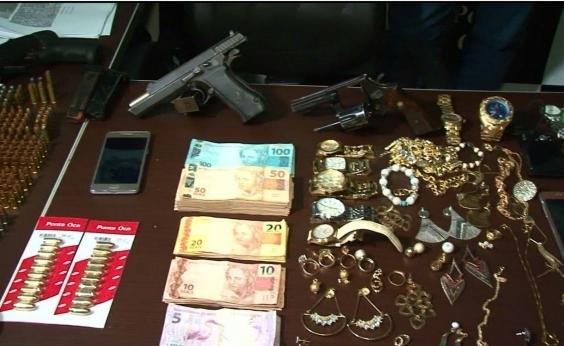 Polícia prende quadrilha com R$ 9 mil, drogas, armas, munições e joias