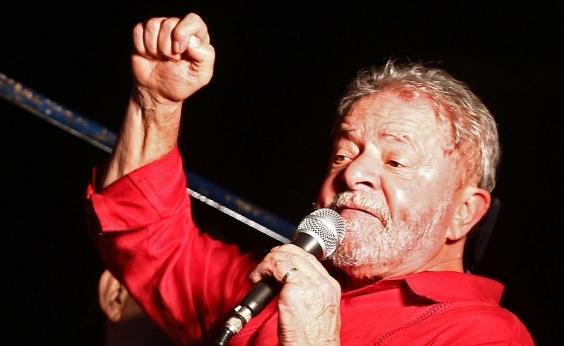 Lula admite que não será candidato se for condenado, mas promete ʹbrigarʹ