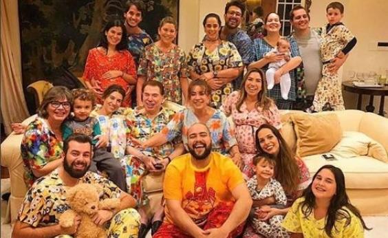 Silvio Santos comemora 87 anos com festa do pijama; veja