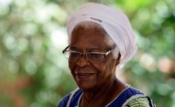 ʹEstou me afastando por minha voz não ser mais ouvidaʹ, afirma Mãe Stella