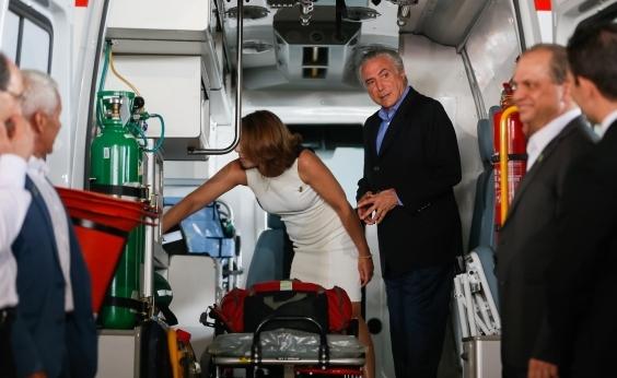 Após cirurgia, Michel Temer recebe alta de hospital em São Paulo