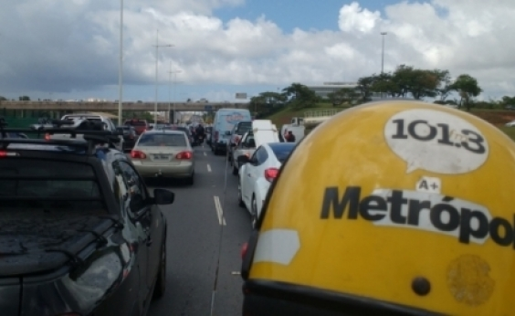 Avenida Vasco da Gama tem trânsito lento na tarde desta sexta; confira
