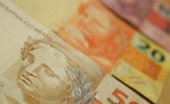Congresso aprova redução no salário mínimo previsto para 2018