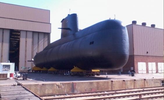 Governo argentino destitui chefe da Marinha após desaparecimento de submarino