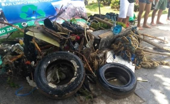 Associação recolhe uma tonelada de lixo submarino no Porto da Barra