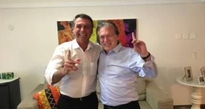 Bolsonaro firma acordo com PSL para disputar Presidência; Livres deixa partido