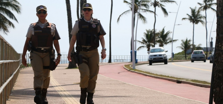 [Polícia reforça segurança na Barra e Rio Vermelho durante o verão]
