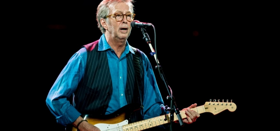 [Eric Clapton admite início de surdez e dificuldade para tocar guitarra]