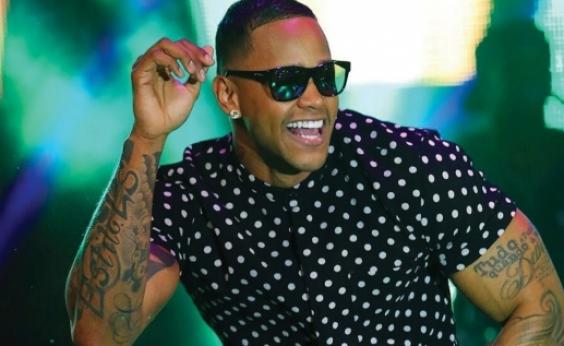 ʹPipocoʹ: Léo Santana comanda trio especial em pré-carnaval