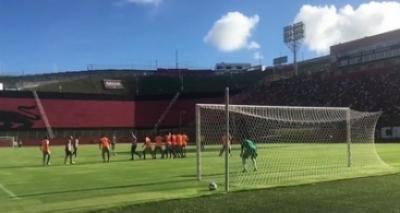 Vitória vence o Atlântico por 2 a 1 em jogo-treino no Barradão