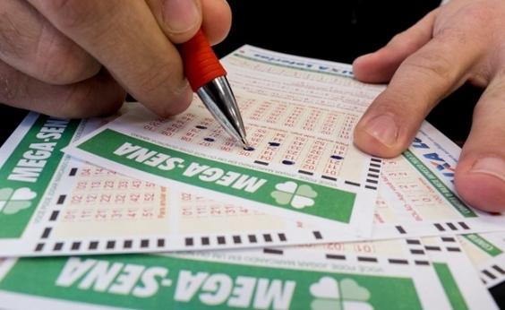 Acumulada, Mega-Sena pode pagar R$S 12 milhões neste sábado