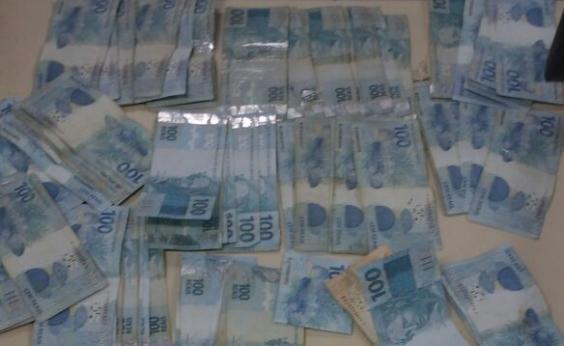 Suspeitos de assalto a banco são presos com R$ 13 mil em Feira de Santana