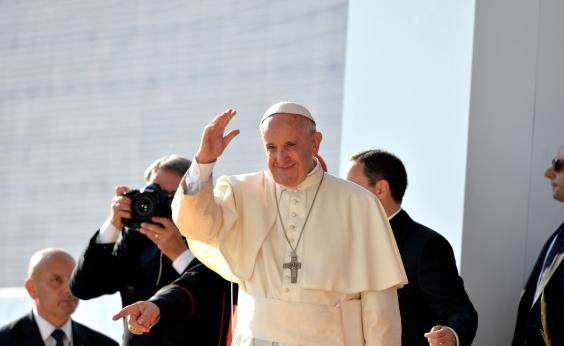 Papa pede integração de imigrantes, apesar de temor ʹlegítimoʹ