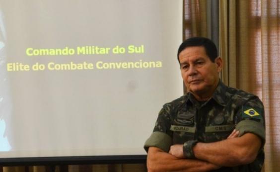 Militar exonerado ao falar em intervenção continua em cargo