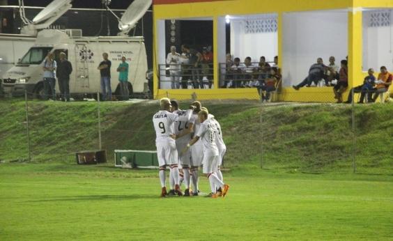 Correia destaca estreia com triunfo do Vitória: ʹNos dá confiançaʹ