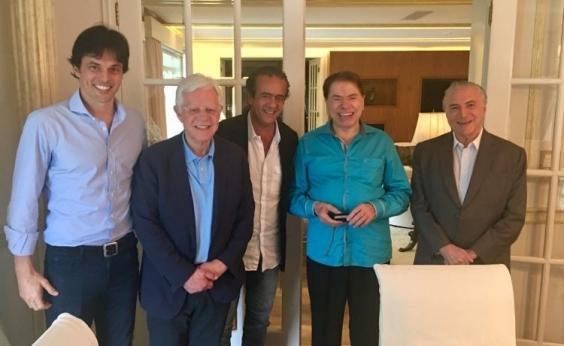 Fórmula FHC: Silvio Santos grava Temer em meio a auditório feminino
