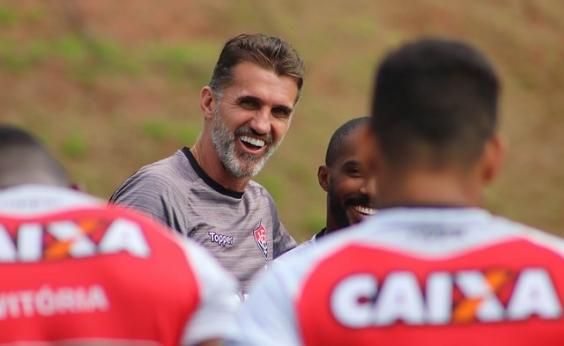 Mesmo sem anúncio oficial, Rhayner já treina no Vitória