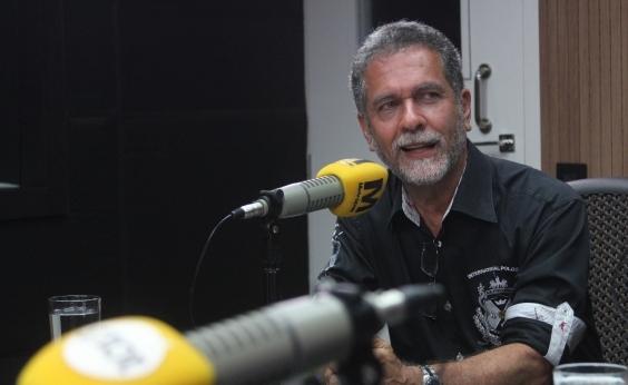 ʹNão tem time com saúde financeira para pagar Tréllezʹ, aposta Ricardo David