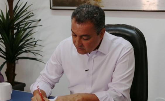 Rui assina protocolos de consórcios de saúde e reforma de escolas