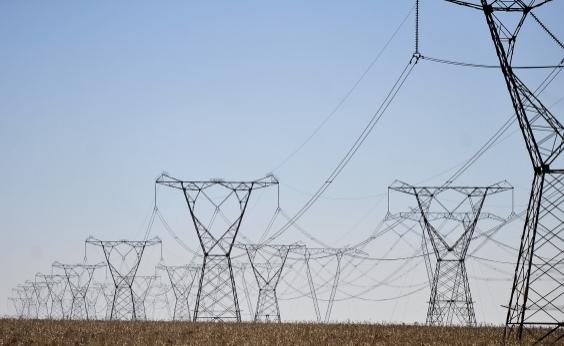 Temer assina projeto que permite privatização da Eletrobras