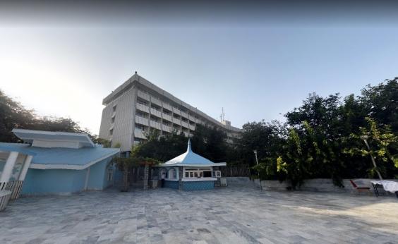 Atiradores invadem hotel de luxo no Afeganistão