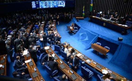 23 senadores ficarão sem foro privilegiado caso não se reelejam em 2018