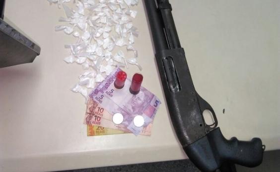 Polícia apreende espingarda calibre 12 com adolescente no Alto do Cabrito