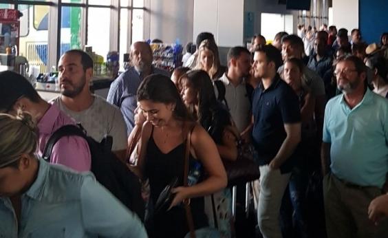 Check-ins são feitos manualmente no Aeroporto de Salvador